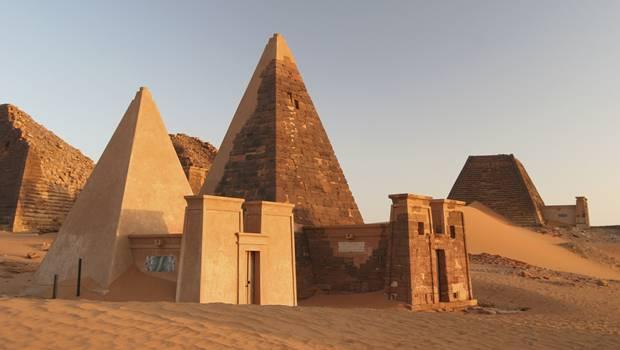Piramidi_Sudan